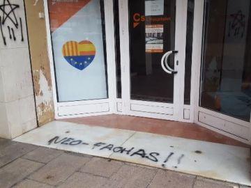 Pintadas en la sede de Ciudadanos en Hospitalet de Llobregat