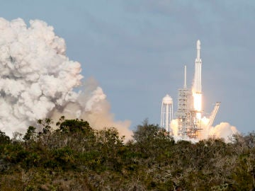Despegue del cohete Falcon Heavy