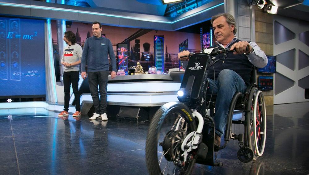 Batec Mobility, el invento que convierte una silla de ruedas en toda una moto