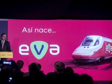 De la Serna presenta EVA, el nuevo AVE 'low cost' que operará en 2019