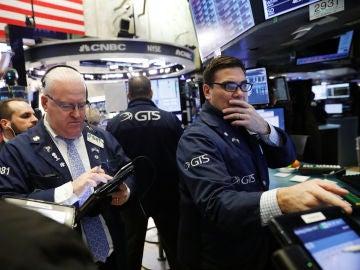 Temor en los mercados tras la fuerte caída del Dow Jones