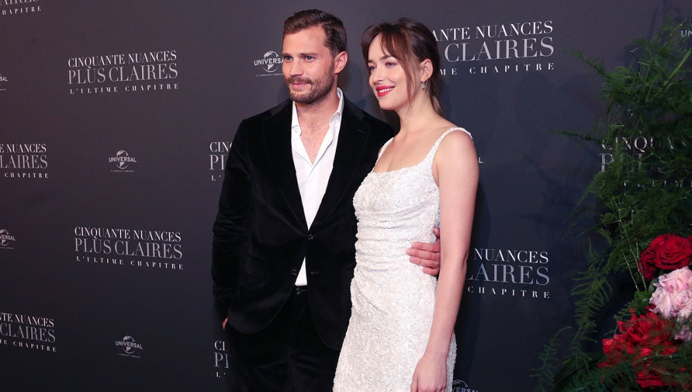 Jamie Dornan y Dakota Johnson, guapísimos en la premiere de 'Cincuenta sombras liberadas'