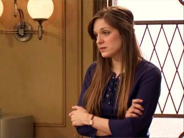 Susana Azevedo habla con Llanos Gil.
