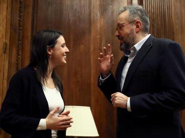 Los portavoces parlamentarios de Ciudadanos y Podemos, Juan Carlos Girauta e Irene Montero