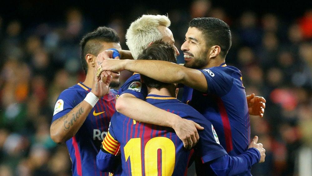 Los jugadores del Barça celebran la victoria