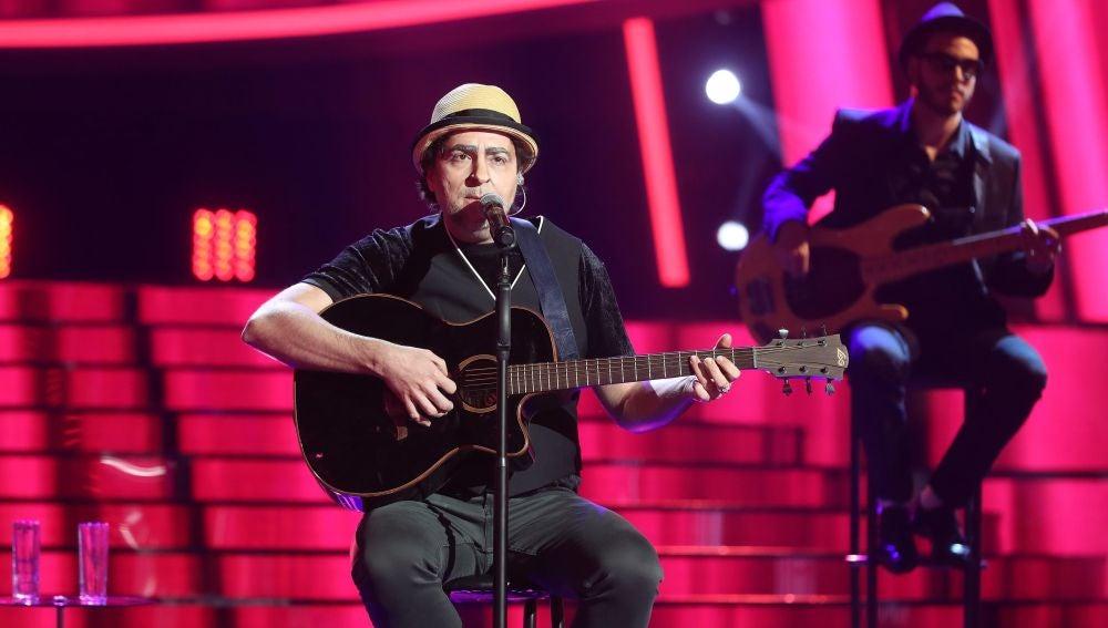 Raúl Pérez se quita el sombrero para sorprender con 'Y sin embargo' como Joaquín Sabina