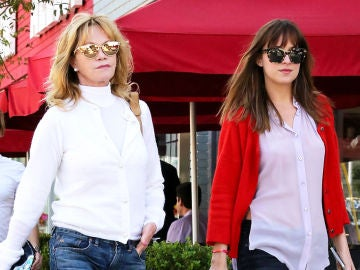 Melanie Griffith junto a su hija Dakota Johnson