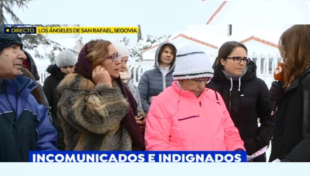 """""""Sois unos cínicos"""": el enfrentamiento de un vecino del Espinar con los de Los Ángeles de San Rafael por la nevada"""