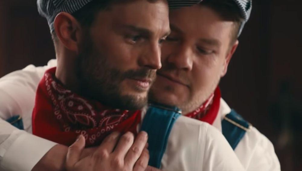 Jamie Dornan y James Corden dando rienda suelta a su pasión