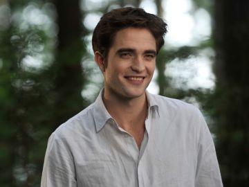 Robert Pattinson como Edward Cullen