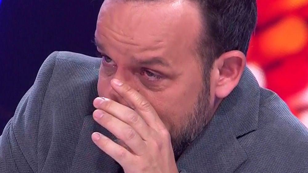 Àngel Llàcer, en un mar de lágrimas con la actuación de Pepa Aniorte como Luz Casal