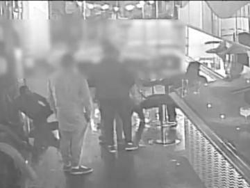 La Guardia Civil detiene a siete personas por agredir a dos jóvenes en un bar de copas
