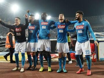 El Nápoles celebra una victoria