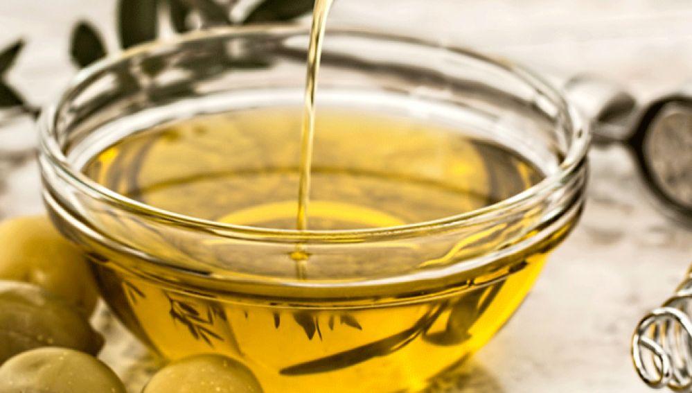 Descubren que algunos compuestos del aceite de oliva atacan a las células tumorales