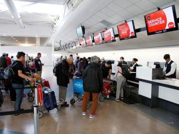 Mostradores de facturación en el Aeropuerto de Auckland, en Nueva Zelanda