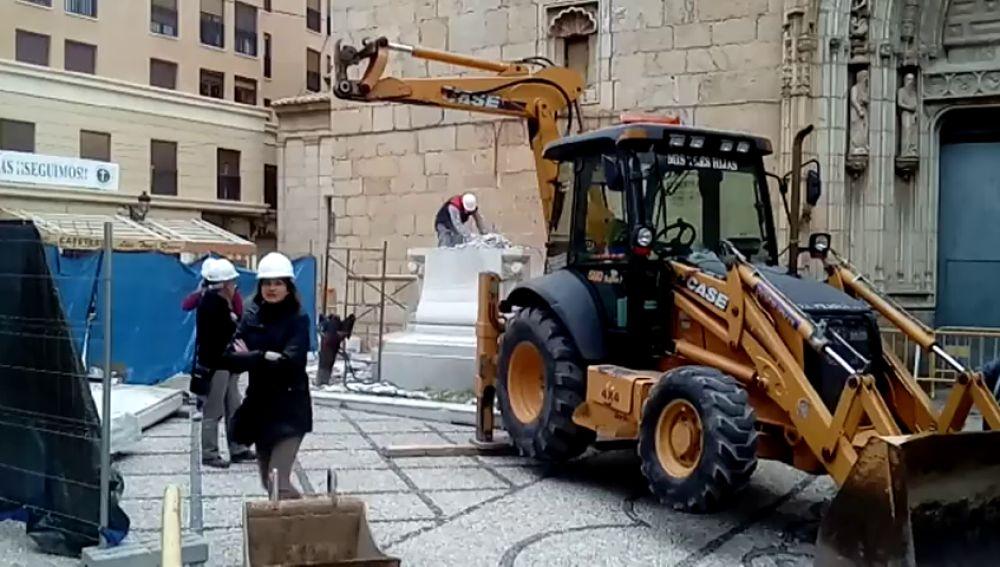 Retiran la peana de la cruz de los caídos en Callosa en Segura
