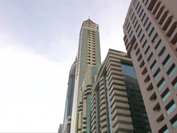 Abre en Dubai el hotel más alto del mundo con 75 plantas y 356 metros de altura