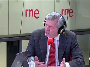 Méndez de Vigo dice que el Gobierno no tendrá ninguna contemplación con Puigdemont ni permitirá la presidencia simbólica