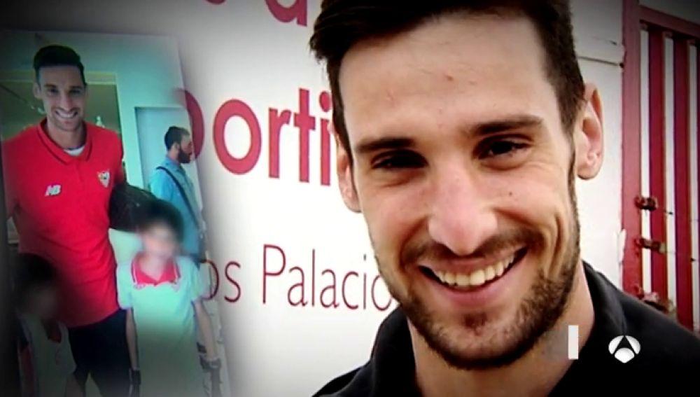 """Antonio, el niño con cáncer que inspira a Sergio Rico: """"He aprendido a no rendirme gracias a él"""""""