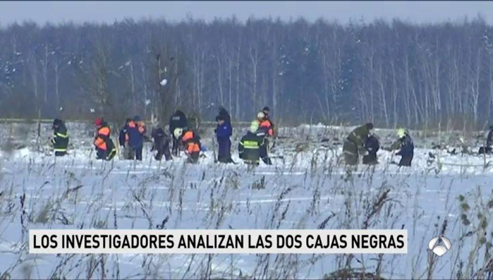 El avión siniestrado en Moscú explotó tras chocar con la tierra