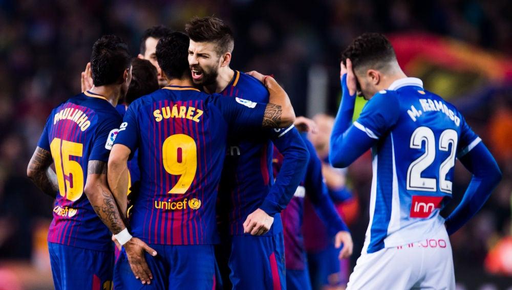 El Barça celebra un gol ante el Espanyol