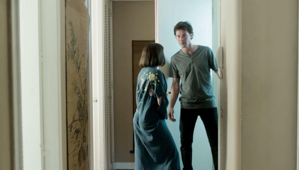 Sastre salva a Miguel y Carol de ser descubiertos por El Chatarrero