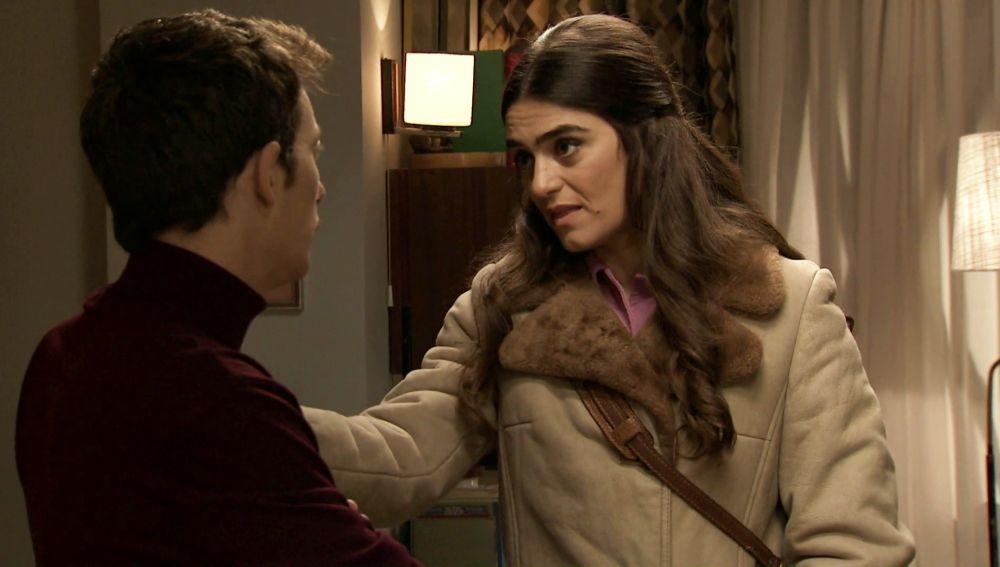 Vicky intenta convencer a Durán para que abandone su venganza hacia Ortega
