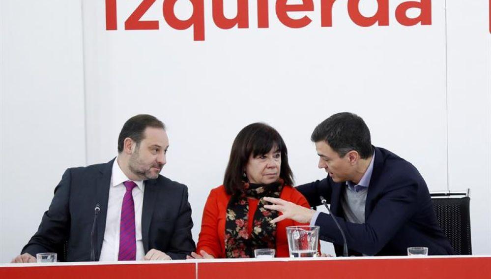 José Luis Ábalos, Cristina Narbona y Pedro Sánchez