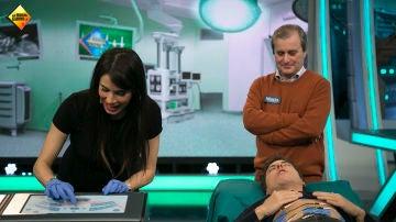 Pablo Motos y Manel Fuentes experimentan el dolor de un parto real enfrentándose al simulador de contracciones