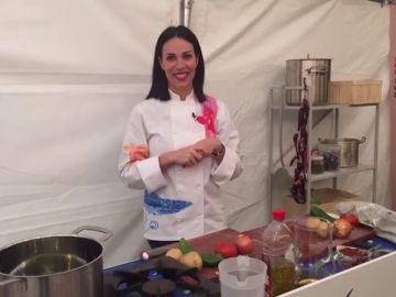 Nerea Garmendia cocina un marmitako en directo desde el plató de 'Allí Abajo'