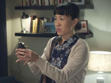 Elena espanta a Joy con… ¡Una granada entre los calzoncillos!