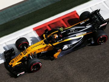 Alonso pilotando el Renault