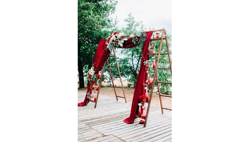 El rojo encajará en cualquier rincón de vuestra boda