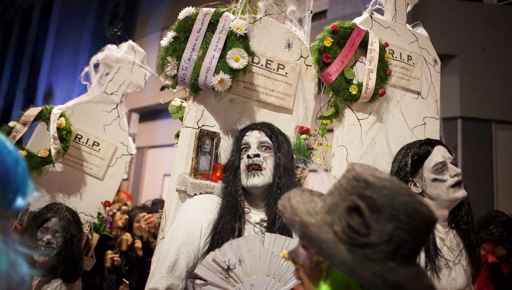 El tradicional desfile del Entierro de la Sardina del Carnaval de Santa Cruz de Tenerife
