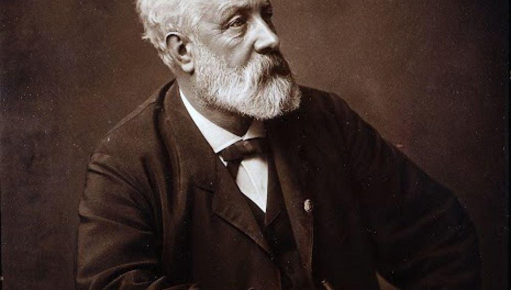 Escritor Julio Verne