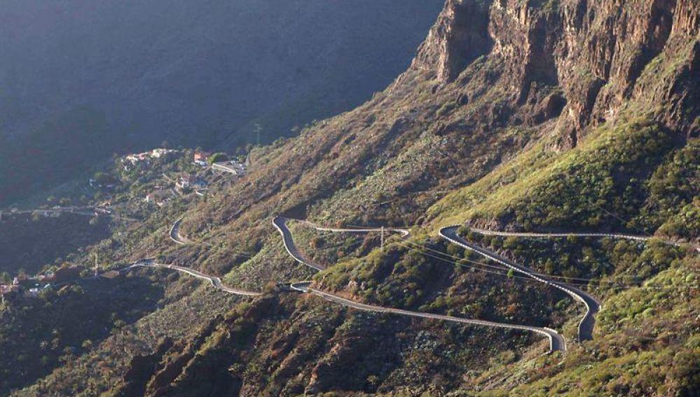 Carretera de acceso a la Masca
