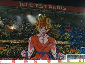 Goku, en la grada del PSG