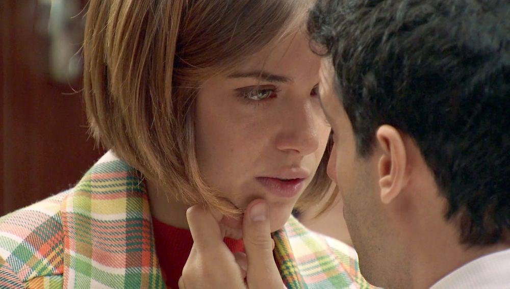 Ignacio rechaza el beso de Laura Ortega