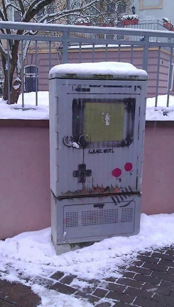funny-vandalism-street-art-39-5703b1339f725__605.jpg