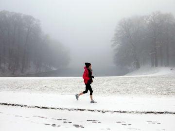 Un parque bruselense nevado