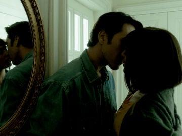 """Miguel y Carol desafían las advertencias del Chatarrero: """"Te quiero"""""""
