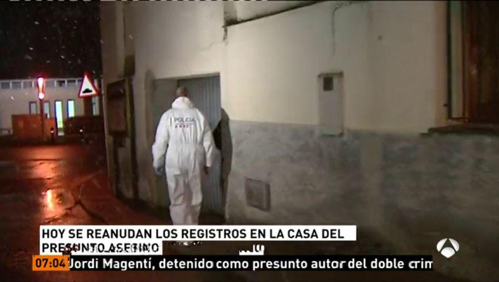 Registros en la casa en la que vivía el presunto asesino del doble crimen del pantano de Susqueda