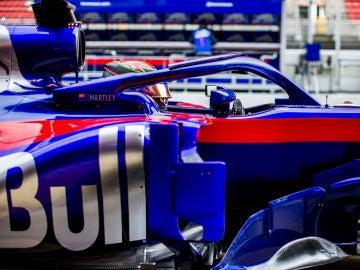 Hartley, durante los test en Barcelona