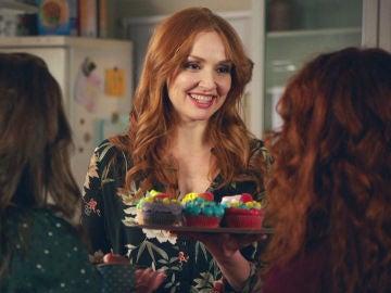 Elena se convierte en la madre perfecta con la mejor fiesta sorpresa