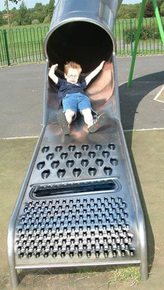 los-19-peores-e-inapropiados-parques-infantiles3.png