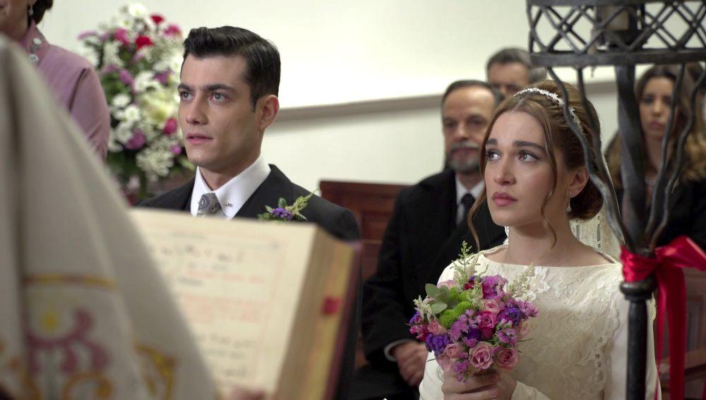 Nos colamos tras las cámaras para vivir la boda fallida entre Julieta y Prudencio