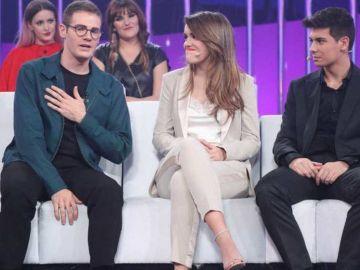Raúl Gómez junto a Amaia y Alfred