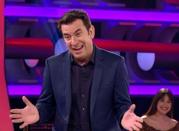 Arturo Valls, atónito ante la infinita lista de propósitos de una concursante de '¡Ahora Caigo!'