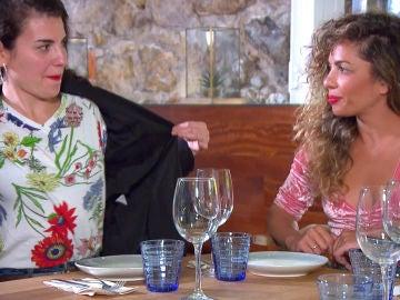 """Carolyne, a los amigos de Sheyla: """"Yo quiero una mujer que me quiera empotrar"""""""