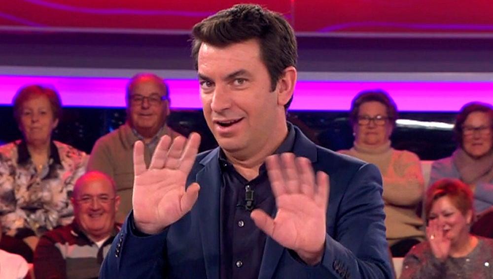 La respuesta de Arturo Valls si fuera invitado a 'chusnear'